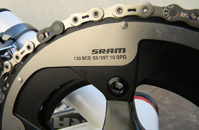 - For chain we used the SRAM 1091R hollow pin chain. This is the lightest 10-speed chain available and perfectly matched for the SRAM Red componentry.