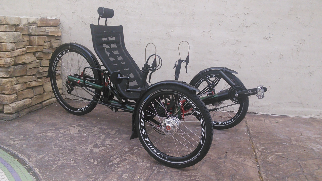 Azub Ti-FLY 26 Full Suspension Recumbent Trike
